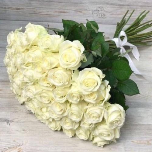 Купить на заказ Букет из 51 белой розы с доставкой в Ерейментау